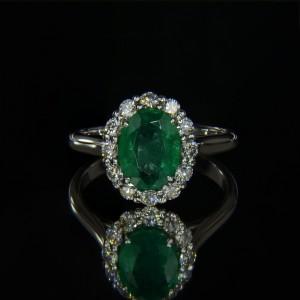 Кольцо с натуральным изумрудом и бриллиантами ($1800,00)