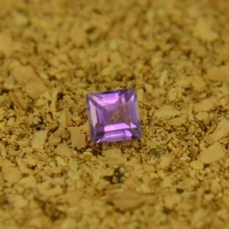 Аметист квадрат 3х3 мм, 0,16 карата ($0,80)