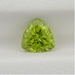 Хризолит триллион 8х8 мм, 2,33 карата ($40,00)