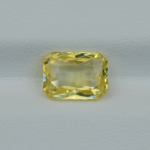 Продано! Натуральный жёлтый сапфир - октагон 9.10х6.62 мм, 2.58 карата