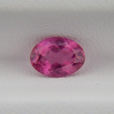 Розовый турмалин овал 7х5 мм, 0,85 карата ($34,00)