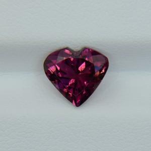 Турмалин рубеллит - сердце 8.75х8.05 мм, 1.92 карата ($154,00)