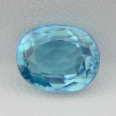 Натуральный голубой циркон - овал 9,45х7,60 мм, 4,13 карата ($454.00)