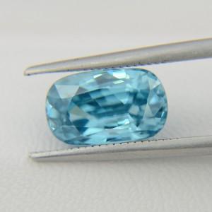 Натуральный голубой циркон - кушон 10.8х6.6 мм, 4,32 карата ($475.00)