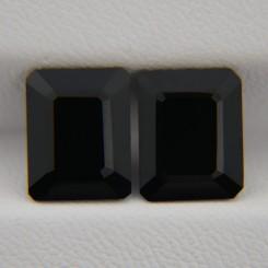 Пара ониксов - октагоны 10х8 мм, 6,03 карата ($12,00)